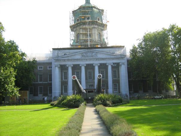 Le mus e militaire messager de la paix le blogue de for Architecture classique definition